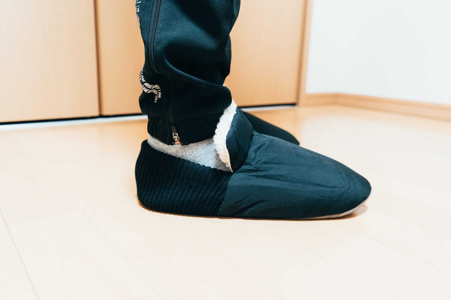 Room shoes 06